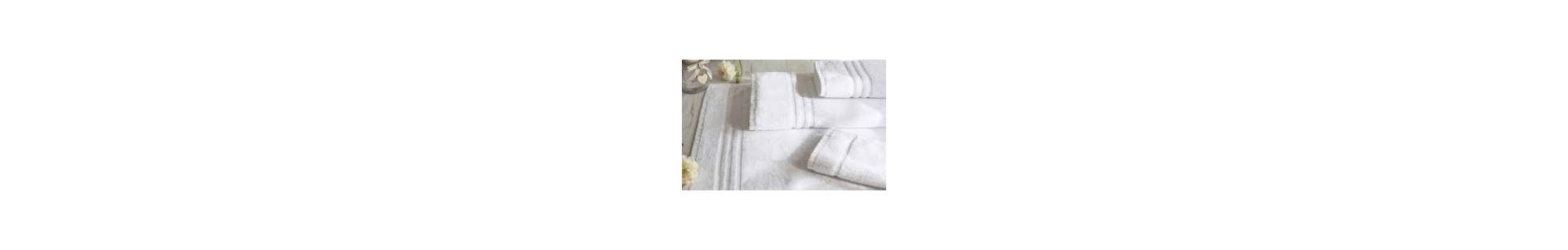 Tiendas Pavo Venta Online de toallas blancas de algodón, toallas de color para baño y piscina, albornoces, zapatillas y productos para spa.