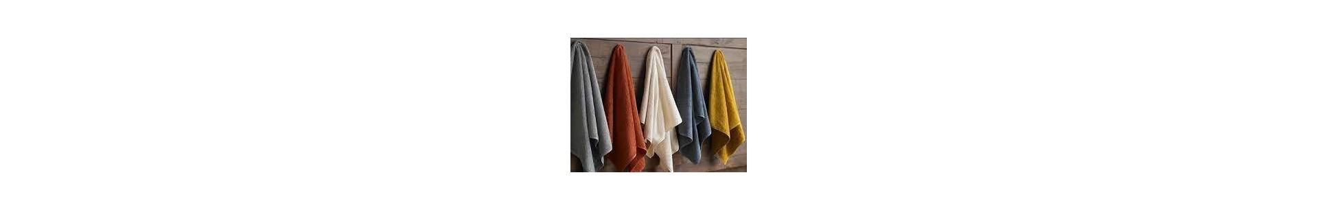 Ropa de baño de diferentes estilos y colores